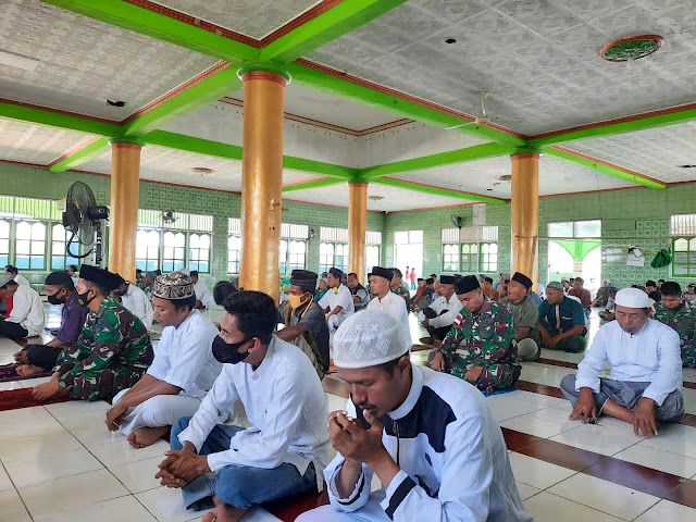 The management of the Fisabilillah Mosque did not expect that the Kostrad soldiers were good at lecturing
