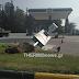 Ενα περίεργο περιστατικό μετά από σύγκρουση ΙΧ σε διαφημιστική πινακίδα πρατηρίου βενζίνης τα ξημερώματα στη Ν. Ραιδεστό