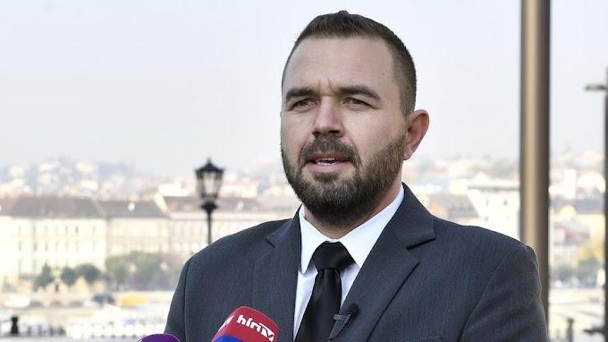 Forrnak az indulatok: Szibériába küldené a Deák téri késes gyilkost egy országgyűlési képviselő