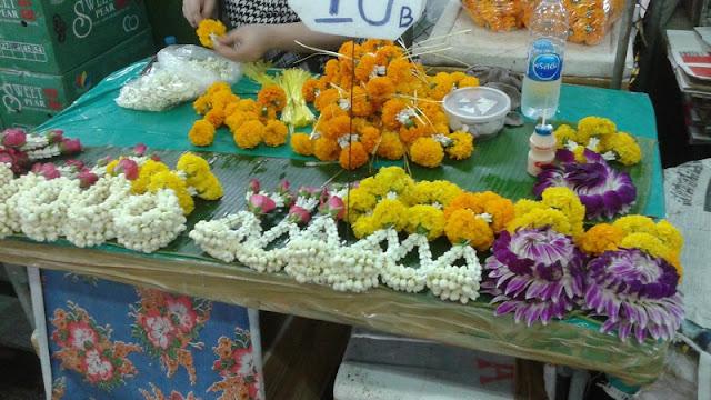 Mercado de las flores - Guirnaldas para las ofrendas