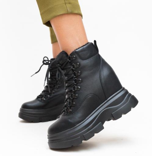 Pantofi sport cu talpa groasa negri de toamna inalti