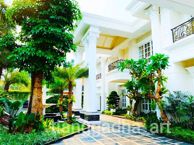 keindahan taman di teras rumah