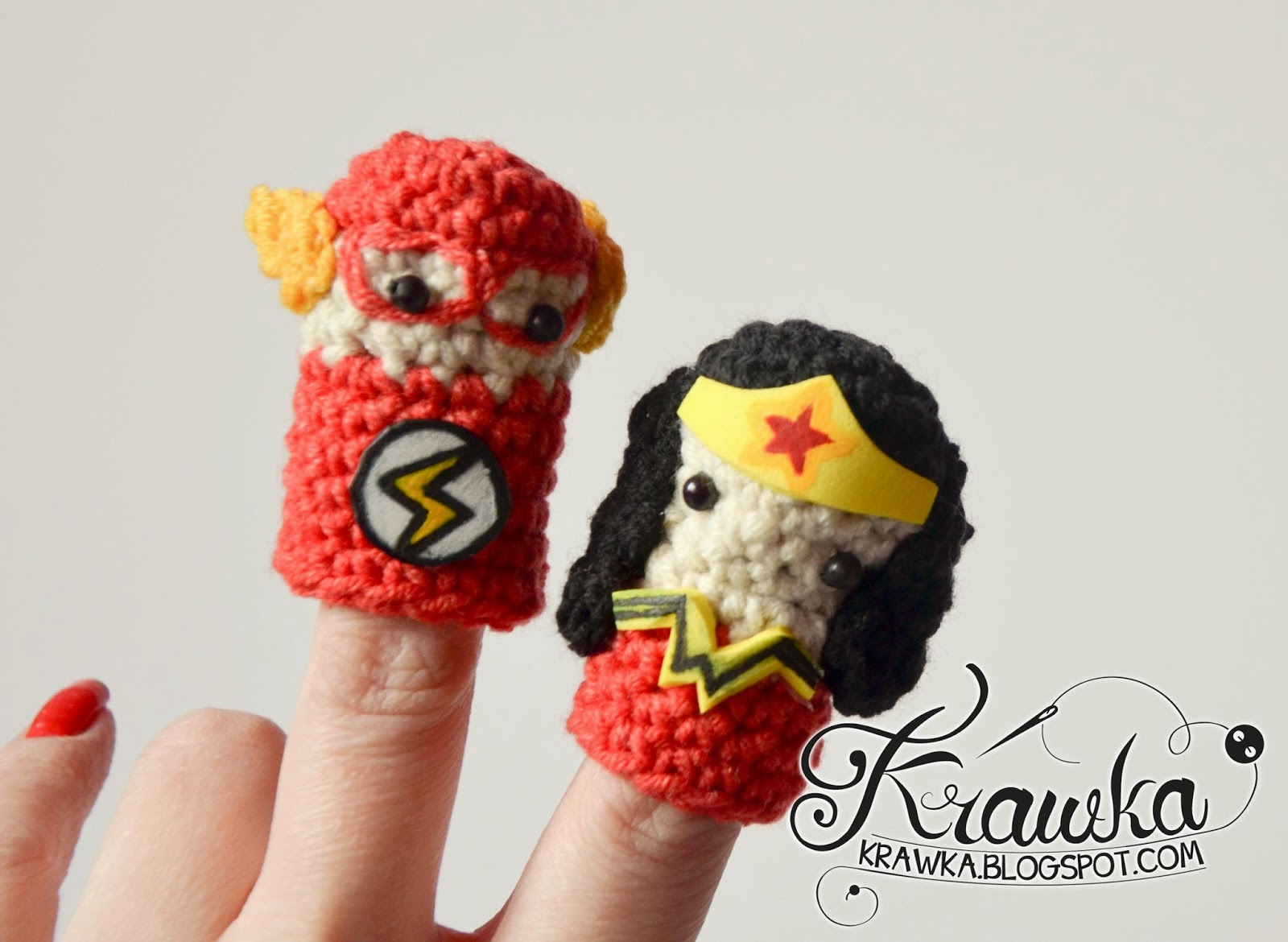 a5eb0764fbe Krawka  Cute set of crochet finger puppets with FREE patterns. Justice  League   Superman. Patterns for each and every hero ...
