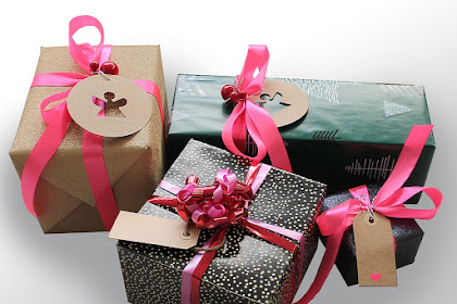 Five Perfect Ideas of Gifts for Lawyers in Holiday