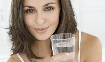 #10 Manfaat  Minum Air Putih Di Pagi Hari Bagi Kesehatan Tubuh Manusia