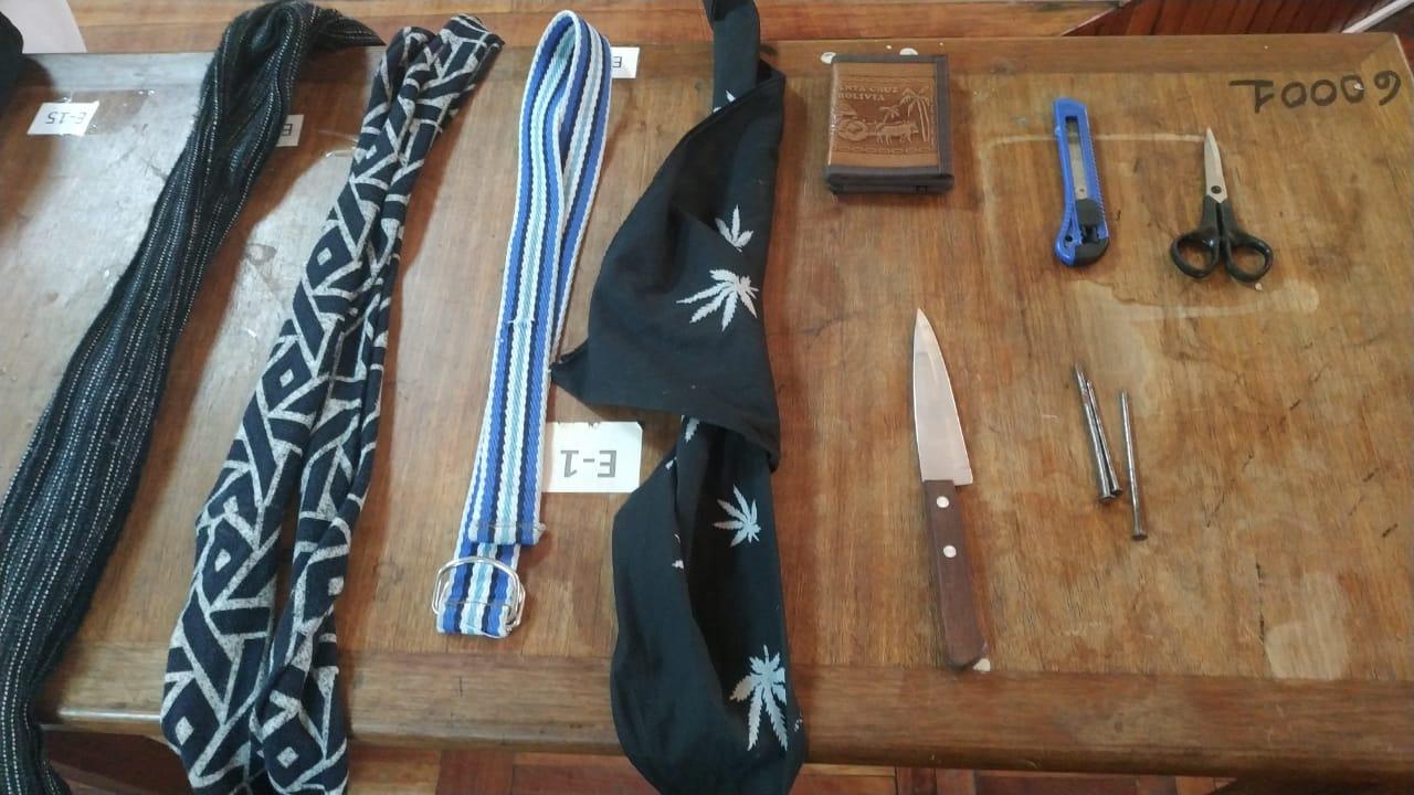 Las armas encontradas en los tres delincuentes reincidentes / ÁNGEL SALAZAR