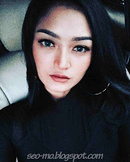Foto Imut dan Cute Siti Badriah Terbaru