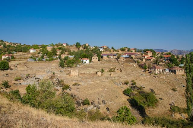 Rapesh village, Mariovo