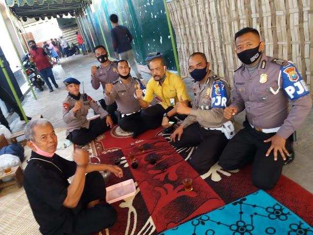 Woow Keren, Tidak Hanya Pejabat di Kawal PJR, Kambing pun Bisa