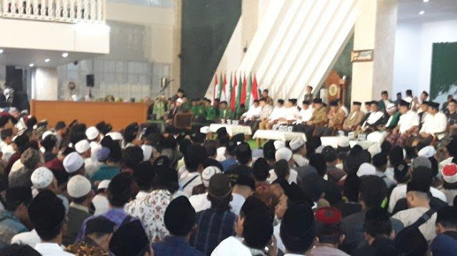 Ribuan Jamaah Hadiri Peringatan Hari Santri di Masjid KH Hasyim Asy'ari Jakarta Barat