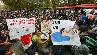 jnu-fee-hike-teachers-students-stage-protest-in-front-of-shastri-bhawan