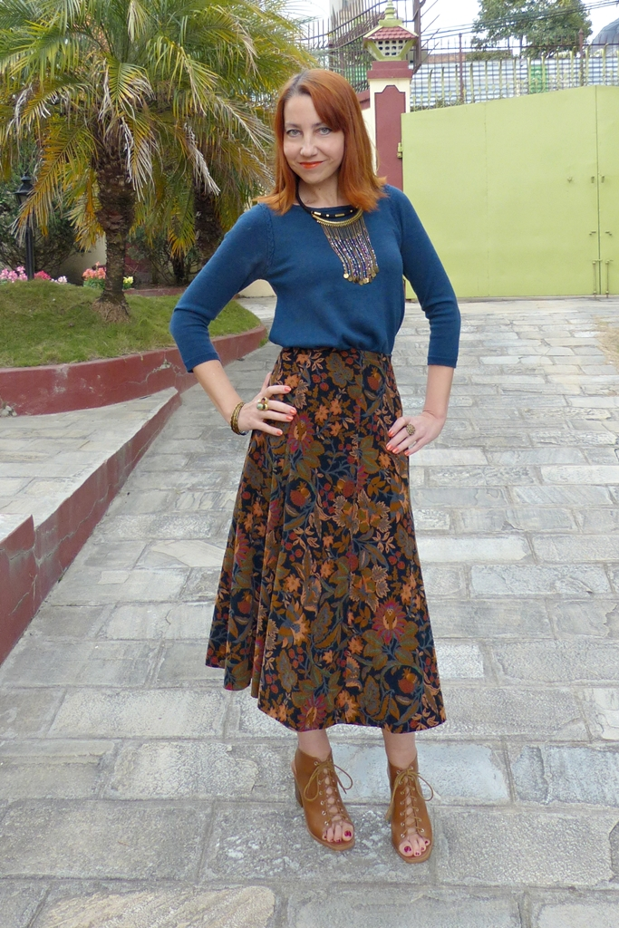 Vintage corduroy high waste skirt with knit top