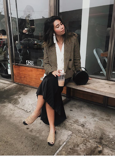 Over-sized blazer trend was all over the streets this Fashion Week and these are some of our favourite outfits to inspire you this October.