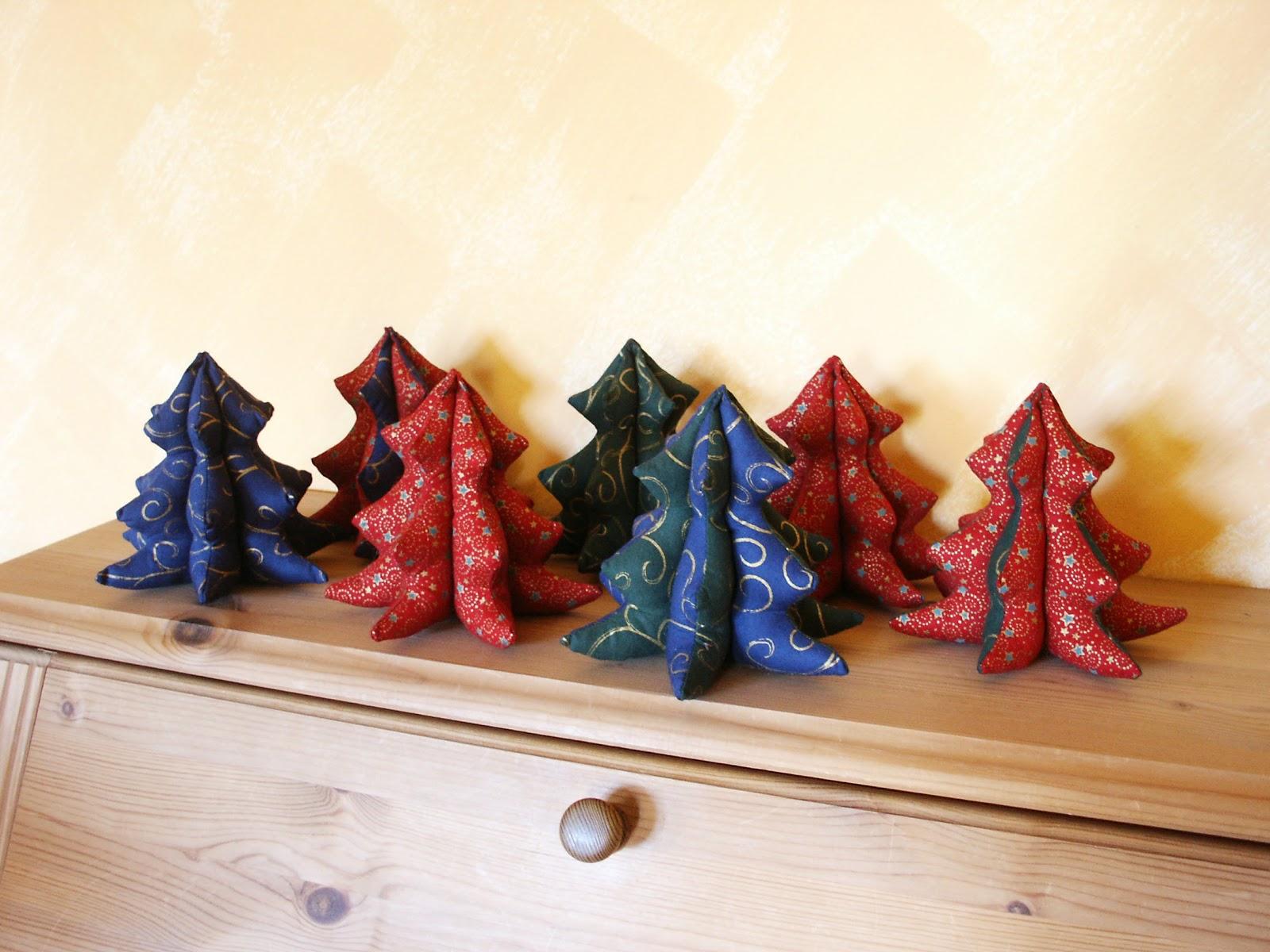 flotti lotti design weihnachtsb ume unser winterwald in gr n blau und rot. Black Bedroom Furniture Sets. Home Design Ideas