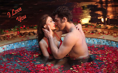 romantic-couple-enjoying-bath-romance