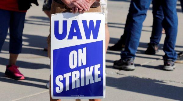 Huelga en General Motors cumple 24 días sin visos de solución