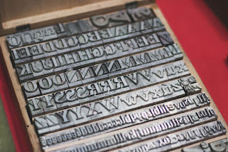 Antiguos tipos de imprenta desembalaje Madrid