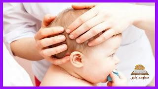 صعر الرضيع: كل ما تحتاج لمعرفته حول تصلب رقبة طفلك