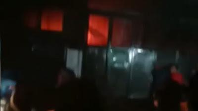 Kebakaran Landa Jalan Japaris Kota Medan, Ada Warga Terjebak dalam Ruko