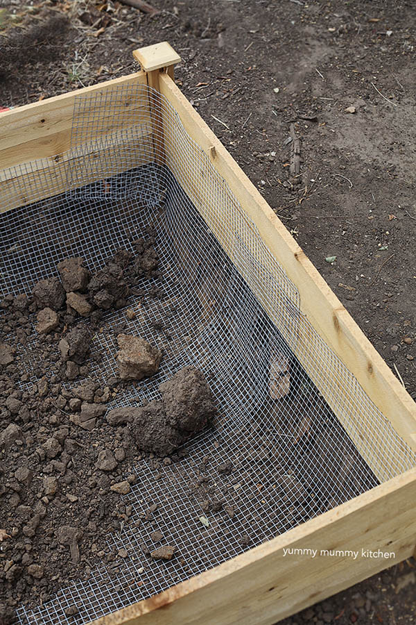 how to make a vegetable garden raised bed