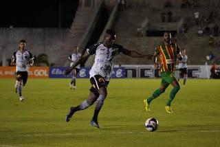 Botafogo-PB vence Sampaio Corrêa e garante vaga nas quartas de final da Copa do Nordeste