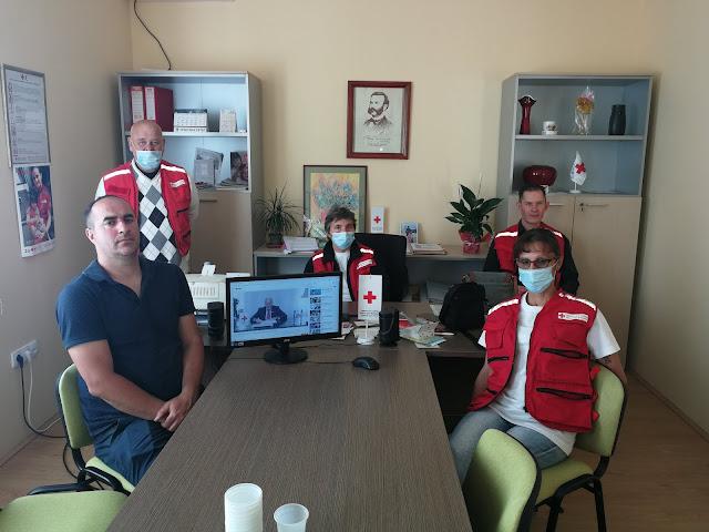 Дејан Гајић са делом  чланова Управног одбора Црвеног Крста Тител