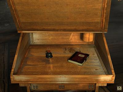 в столе под крышкой лежат дневник и чернильница в игре сибирь