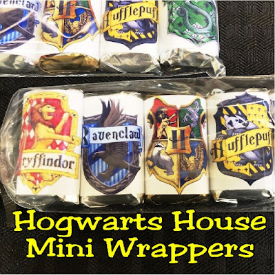 Celebrate the houses of Hogwarts coming together with this yummy Hogwarts Houses mini candy bars.  Whether you wrap them together or serve the individually, these printable candy bar wrappers are the perfect addition to your Harry Potter party.