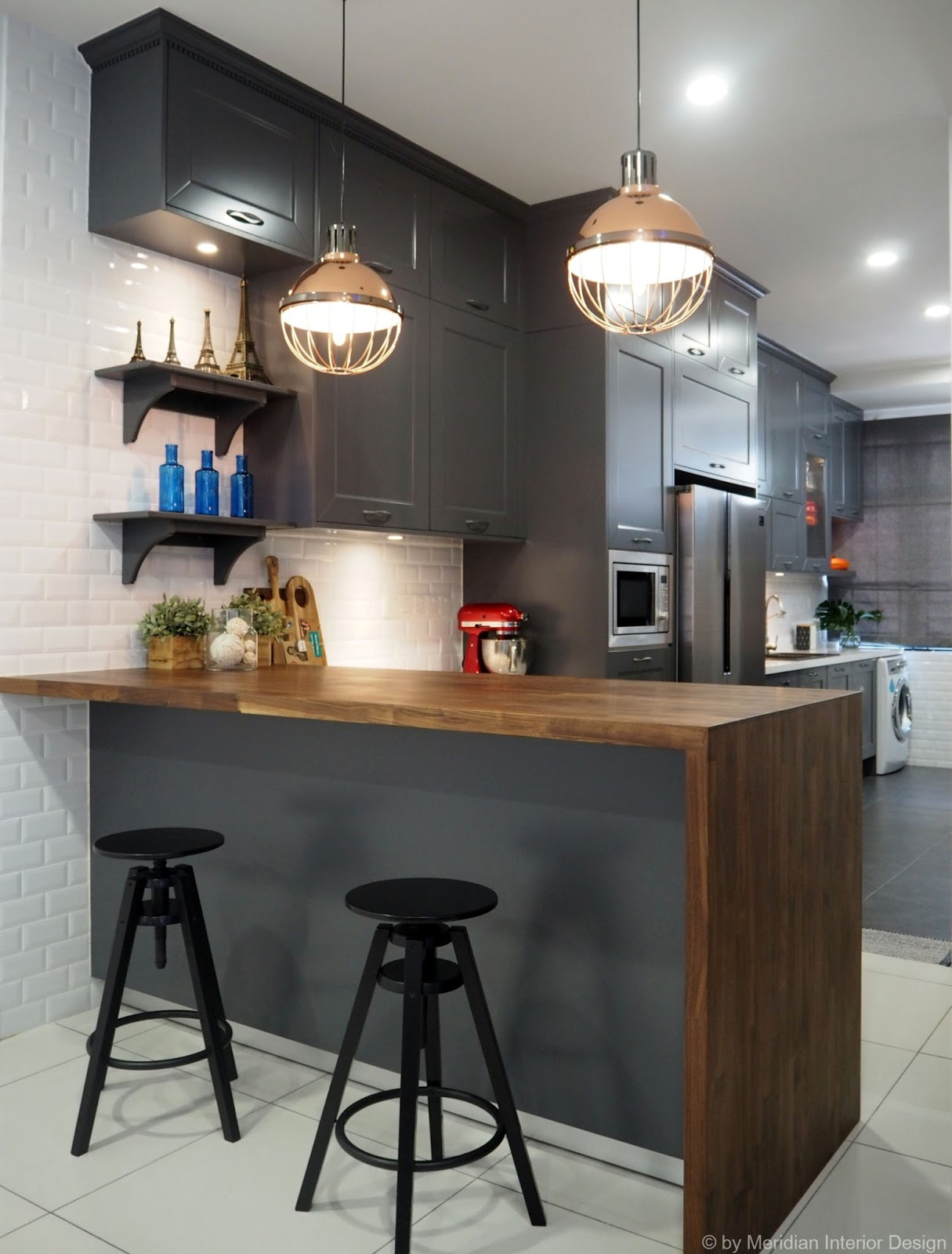 Meridian interior design and kitchen design in kuala for Kitchen wardrobe design