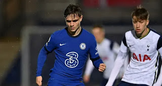 Chelsea youngster Lewis Bate wins PL2 Player of the Month award