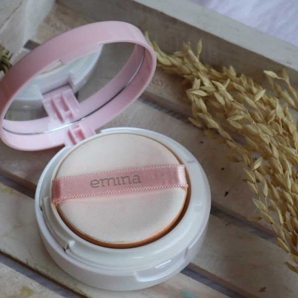 Review Emina Bare With Me Mineral Cushion Untuk Kulit Keringku