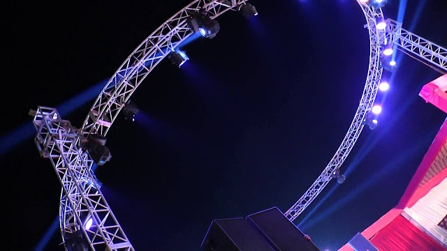 Dj System With Round Truss