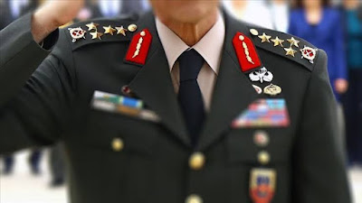 5 general istifa etti