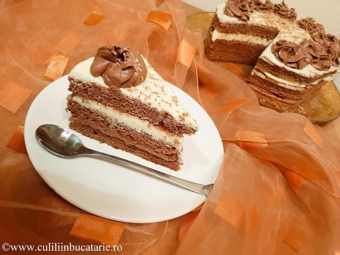 Tort rapid cu cremă de ciocolată și vanilie