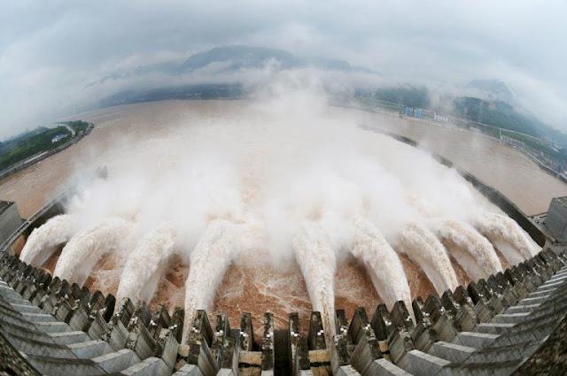 Chuyên gia cảnh báo: Xả lũ đập Tam Hiệp có sức tàn phá gấp 25 lần sóng thần
