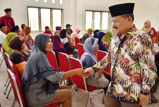 Siswa TK/SD Model Terpadu Raih Hadiah Umrah
