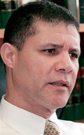 Gobernador del estado  Nueva York designa juez a dominicano Manuel Méndez Olivo