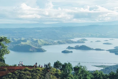 Isi Liburan Singkat Kamu Dengan Kunjungi 5 Danau Terindah di Indonesia