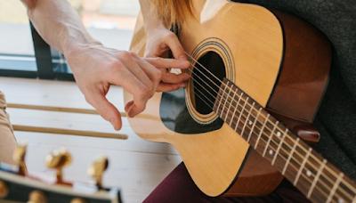 نصائح تعلم العزف على آلة الجيتار