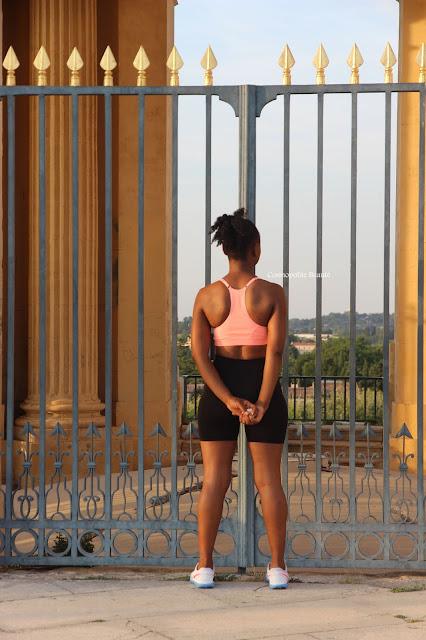 cosmopolite beauté, cosmopolitan beauty, sport, tenue de sport, fitness, fitness outfit, sarouel, dancehall, running, legging mixa, femme noire sportive, femme noire, black beauty, blog mode, blog beauté