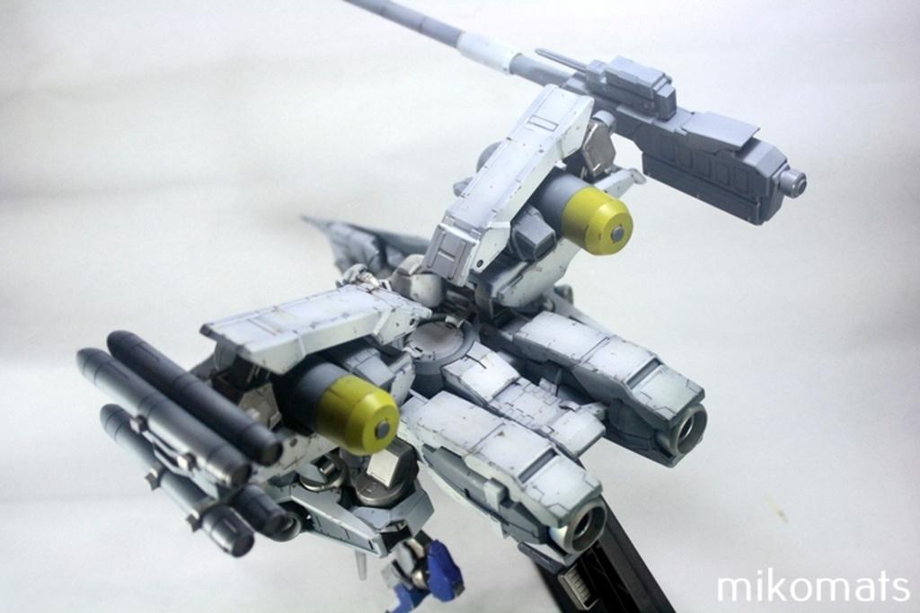 Custom Build: HG 1/144 Gundam Astaroth [WAR DOVE]