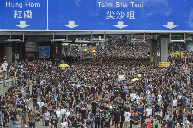 Annoyed by Hong Kong movement, Jinping threatens, says - I'll break the bone of protestors