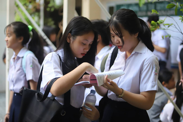 Thông tin mới nhất về kỳ thi tuyển sinh vào lớp 10 THPT năm học 2020 từ đại diện Sở GD Hà Nội