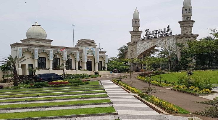 Suasana Masjid Al Azhar MG Karawang