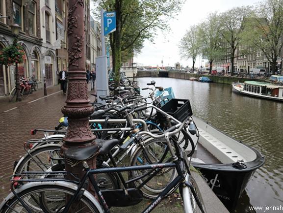 Amsterdamista löytyy Euroopan suurin buddhalaistemppeli