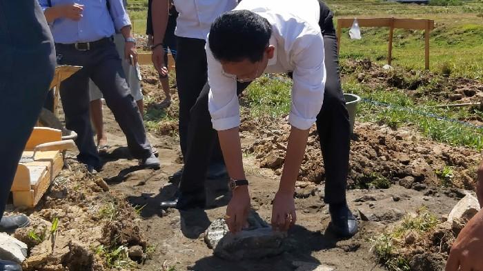 Suryanto Asapa Letakkan Batu Pertama Pembangunan RKB SKB