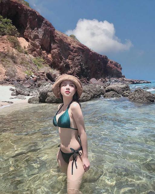 Nữ CĐV từng yêu thủ môn số 1 Việt Nam tung ảnh bikini nóng bỏng mắt