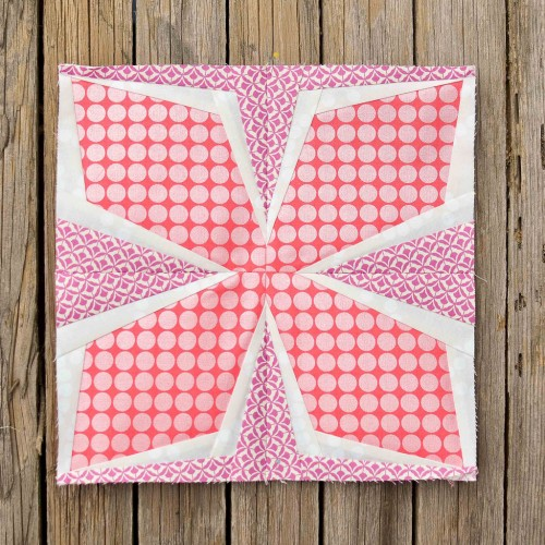 Diamond Flower Pillow - Free Pattern