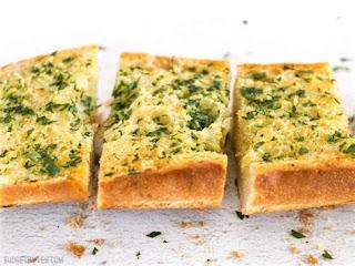 Easy homemade garlic bread seasoning, easy Italian garlic bread seasoning, easy use all seasoning, how to make garlic bread, seasoning for garlic bread