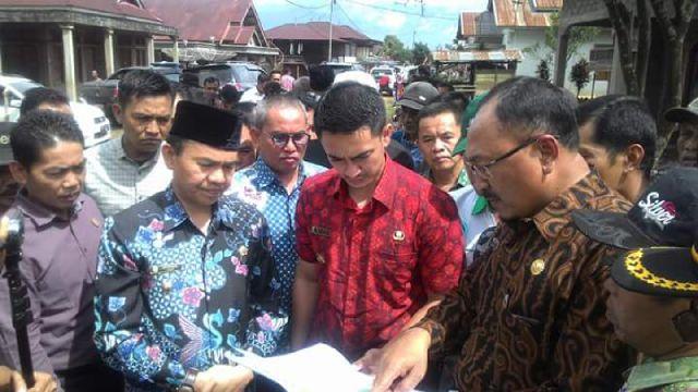 Kadis PU Kabupaten Kerinci Jelaskan Rute Jalur Evakuasi Kepada Gubernur Jambi